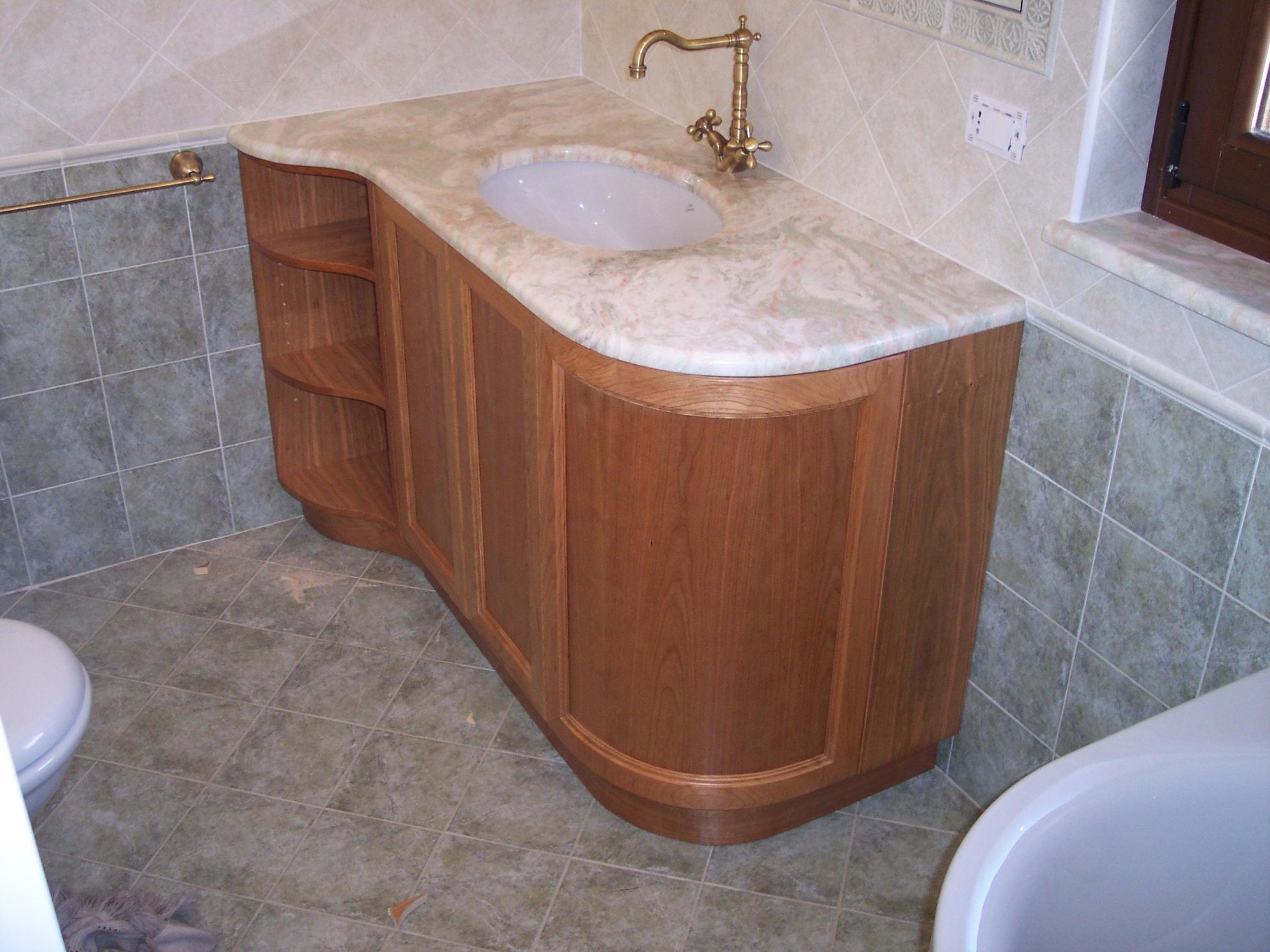 Falegnameria silvestre i bagni for Mobile bagno usato